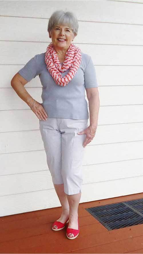 Latest Capri Pants Fashion for Older Women