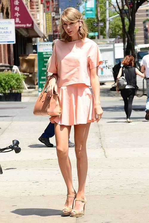 Taylor Swift Street Fashion