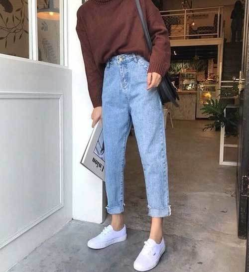High-Waist Mom Jean Outfit Ideas-11