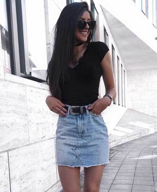 High Waisted Skirt Black T-Shirt Outfit Ideas-11