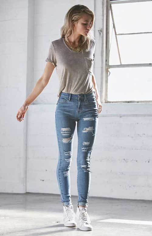 Denim Ripped Jeans Simple Outfit