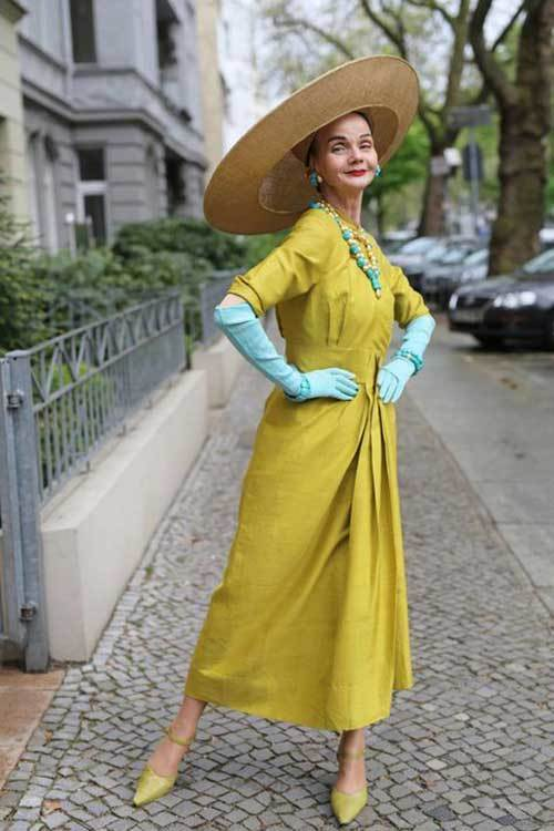 Vintage Outfits for Older Women-18