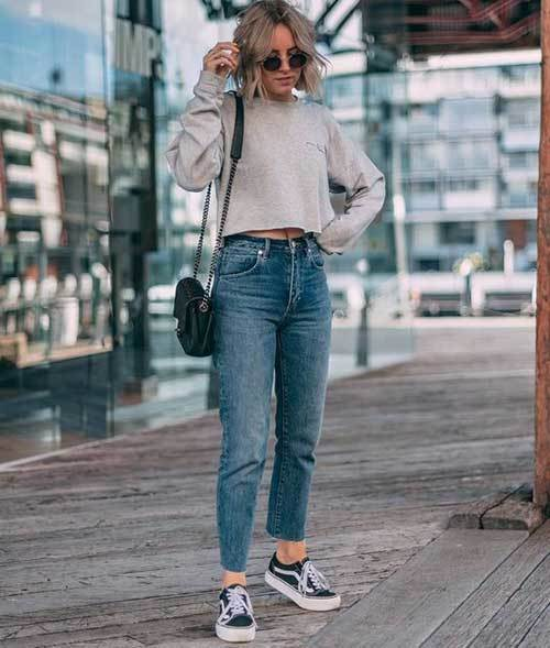 Mom Jean Regular Outfit Ideas-23