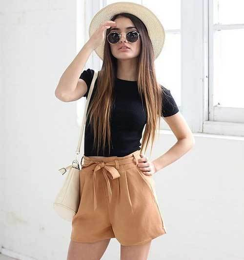 High Waisted Shorts Travel Outfit Ideas