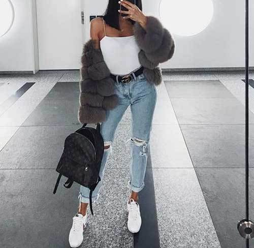 Knee Ripped Jeans Outfit Idea