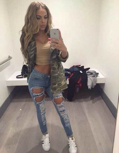 Skinny Ripped Jeans Casual Outfit