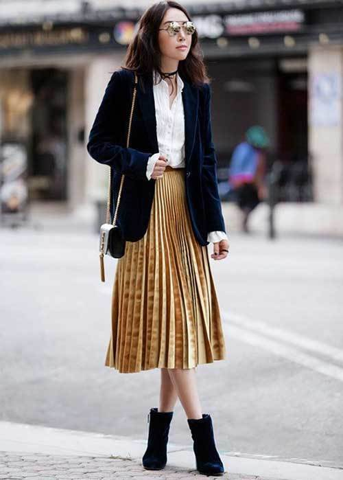 Street Style Pleated Skirt Outfits