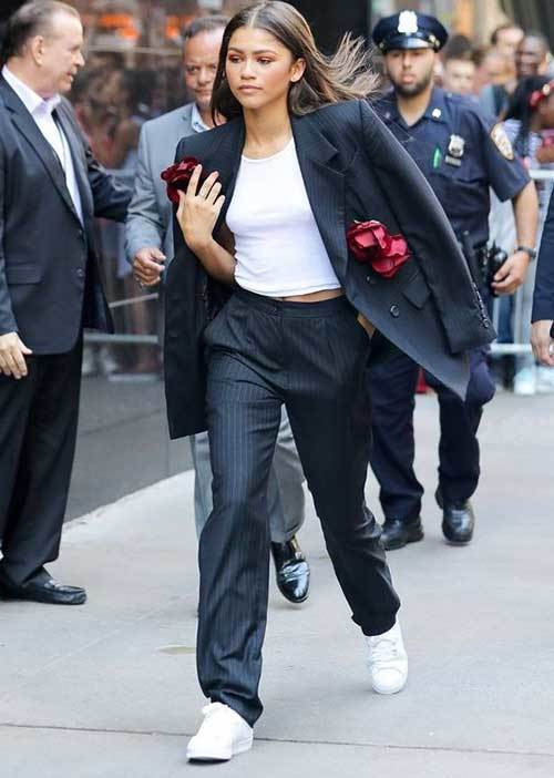 Zendaya Cool Suit Outfits 2019
