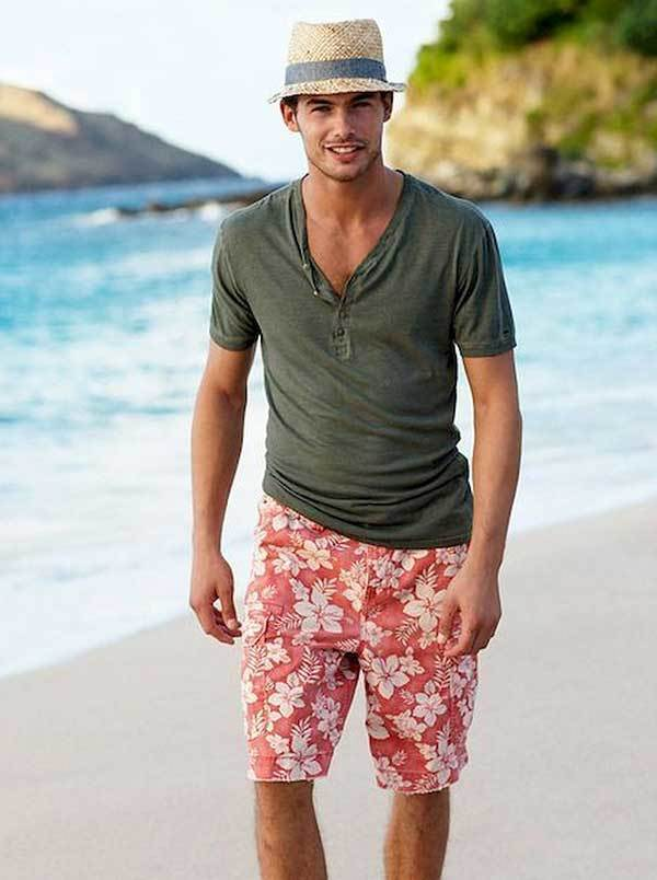 Easy Beach Outfit Ideas for Men-18