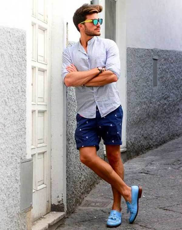 Navy Shorts Beach Outfit Ideas for Men-20