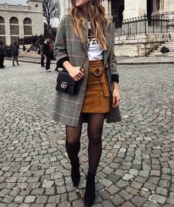 Chic Winter Skirt Outfits-15