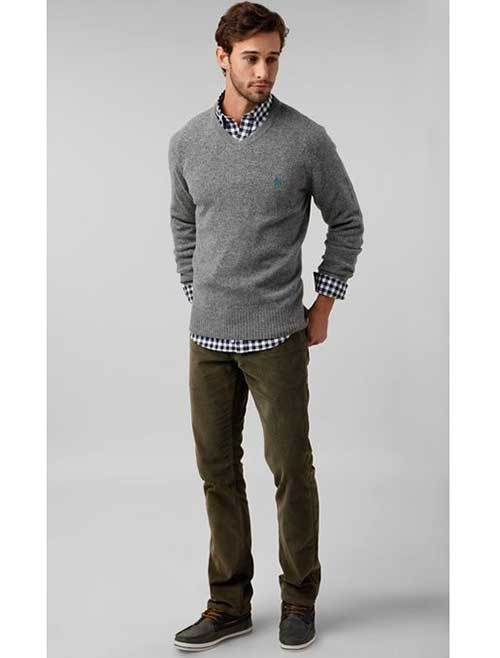 Best Grey V-Neck Sweater Casual Attire for Men-20