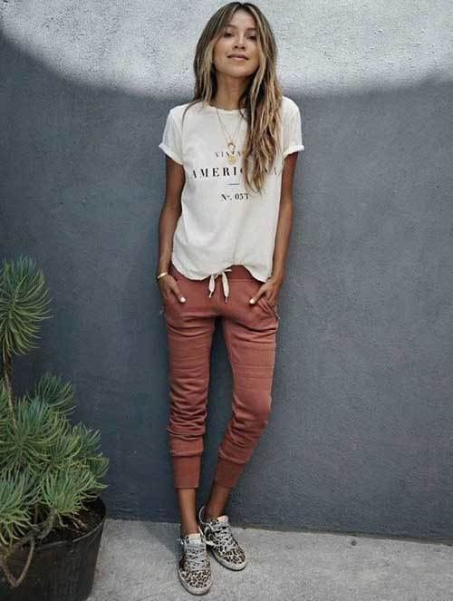 White T-Shirt Jogger Pants Outfit Ideas-6