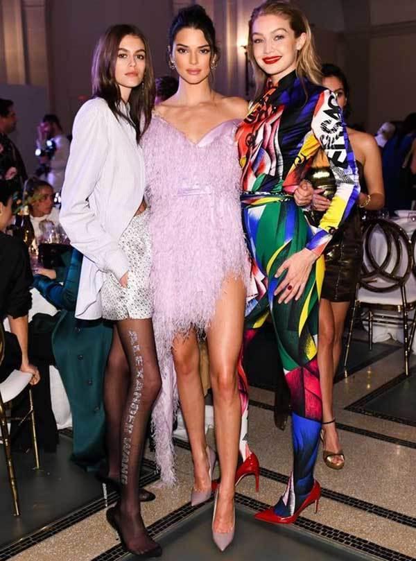 Gigi Hadid and Kendall-7