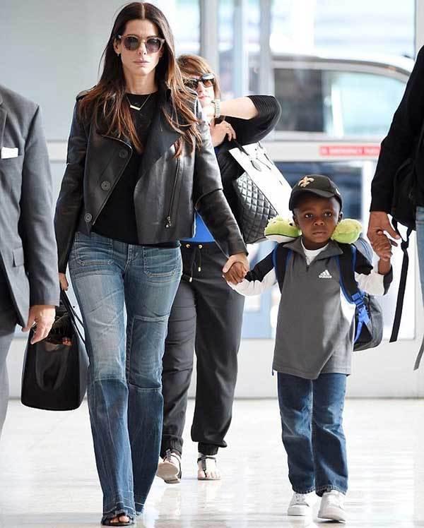 Sandra Bullock Celeb Street Style-11