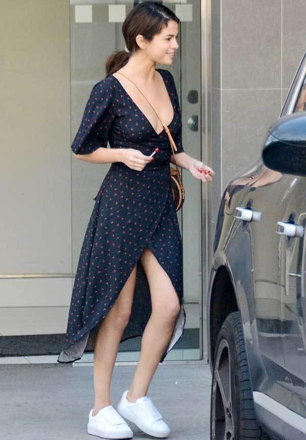 Selena Gomez Street Style-8