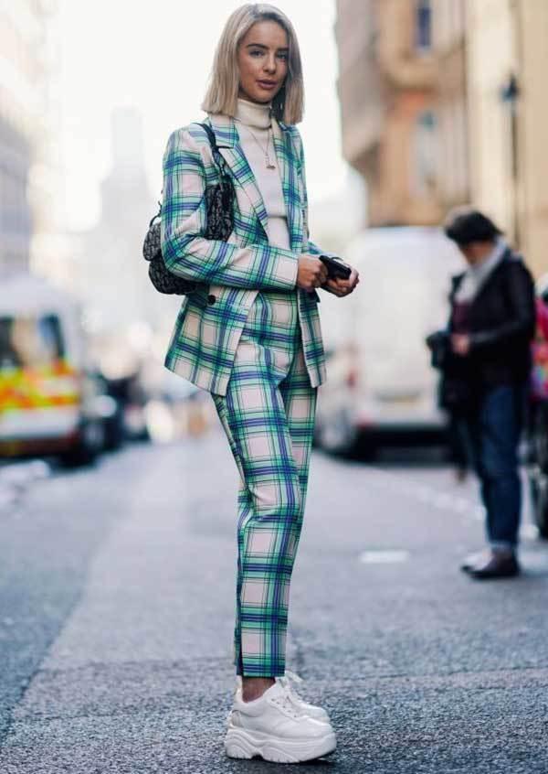 London Fashion Chunky Sneakers Street Style