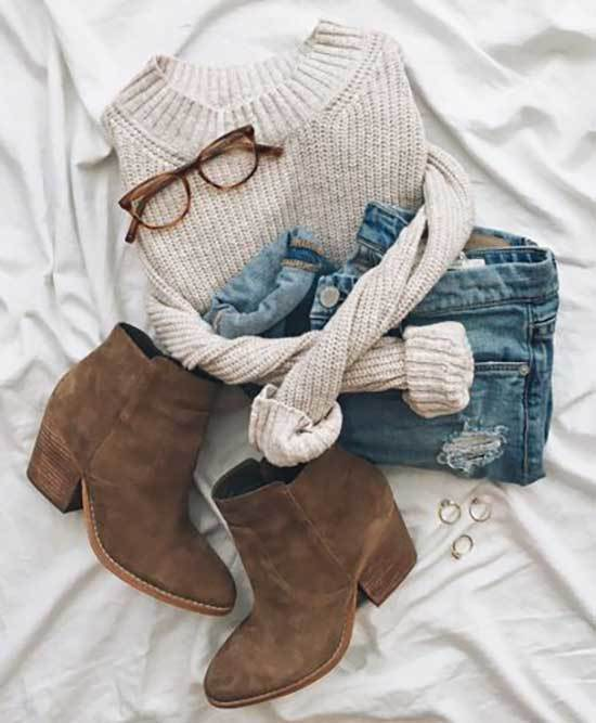 Brown Boots Fall Outfits for Women