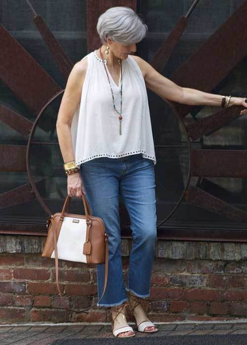 Summer Jeans Outfits for Women Over 50