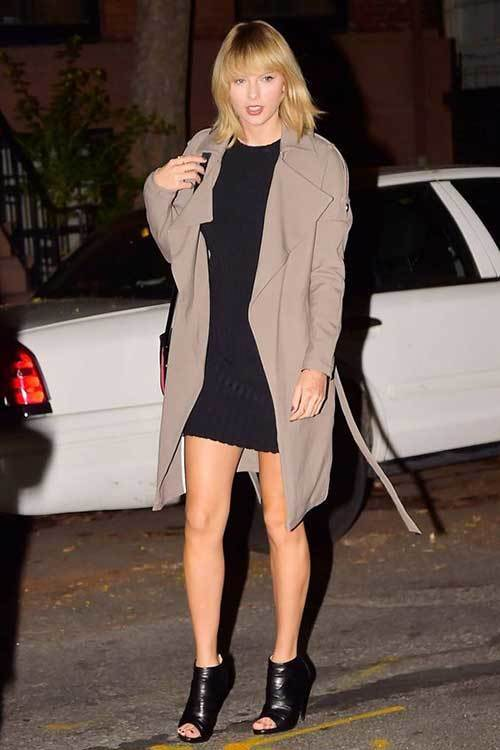 Taylor Swift Trench-Coat Outfits