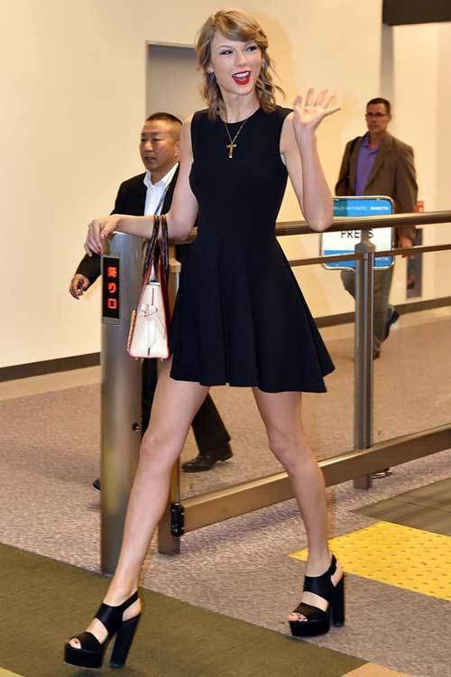 Taylor Swift Little Black Dress Outfits