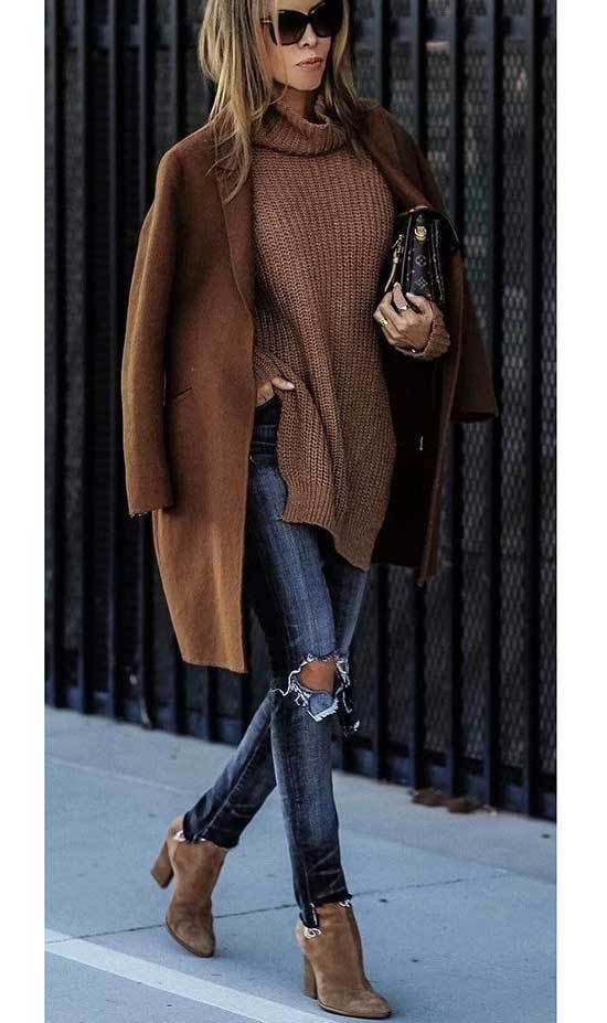 Brown Boots Outfit Ideas with Ripped Denim