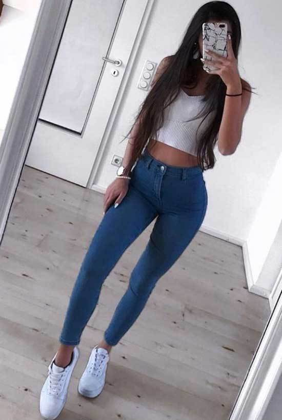 Cute Crop Top Outfits with Blue Jeans