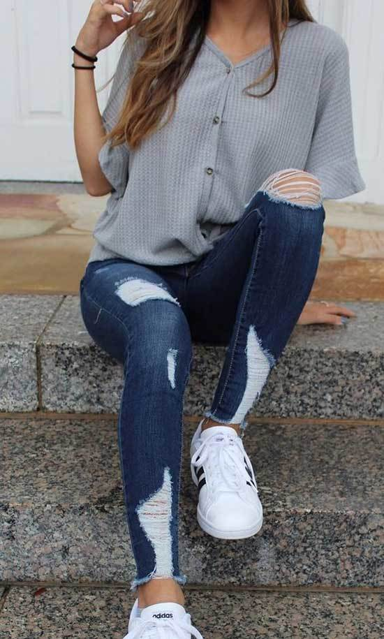 Cute and Simple Outfits with Blue Jeans