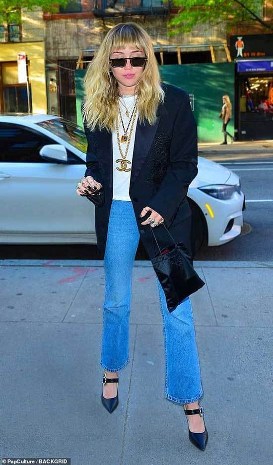 Miley Cyrus Over-Sized Blazer Outfits