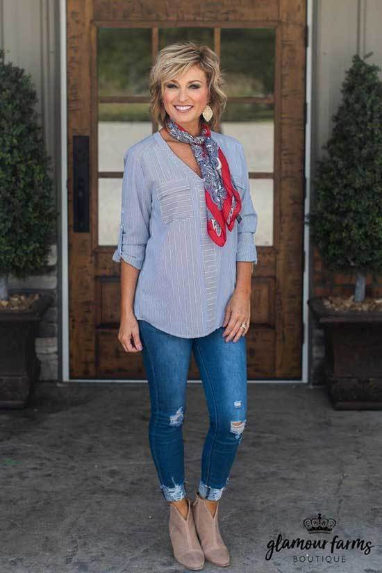 Modern Scarf and Blue Jeans Spring Outfits for Over 50