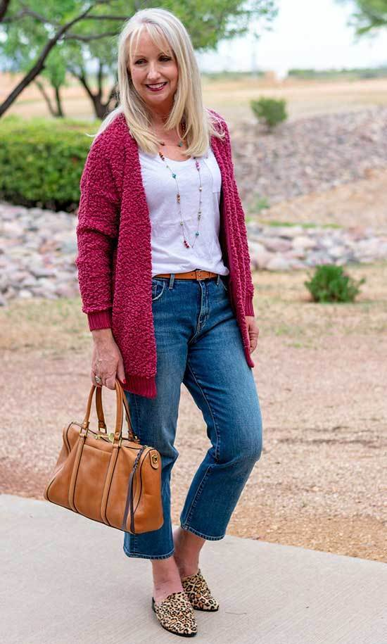 Spring Mom Jeans Outfits for Over 50