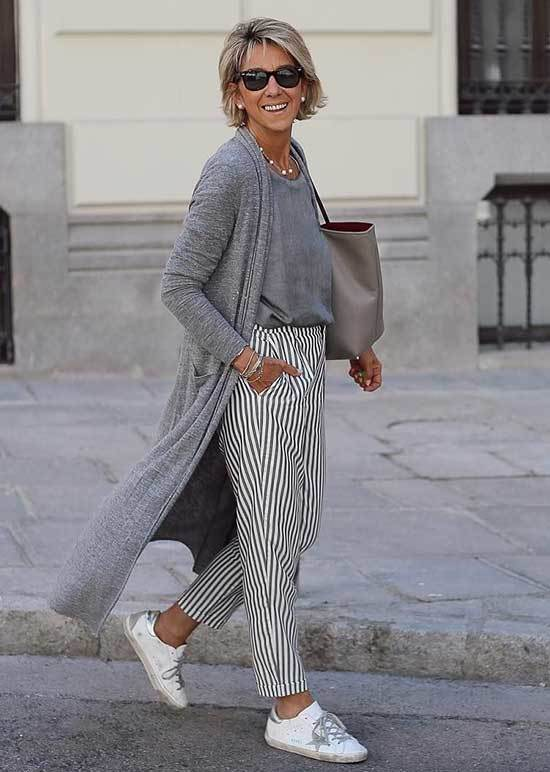 Striped Pants Spring Outfits for Over 50
