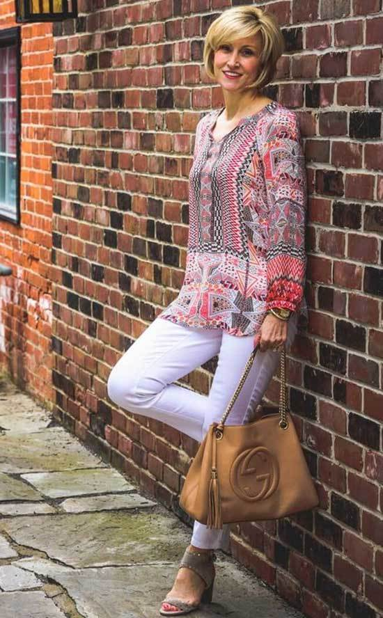 White Pants Spring Outfits for Over 50
