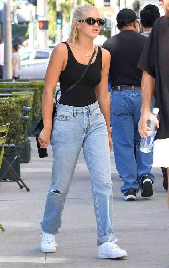Sofia Richie Mom Jeans Outfit Summer