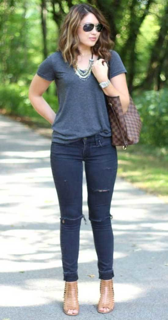 Jeans Outfits for 40 Year Old Woman