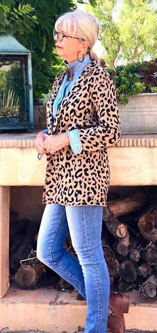 Chic Fall Outfits for Women Over 50