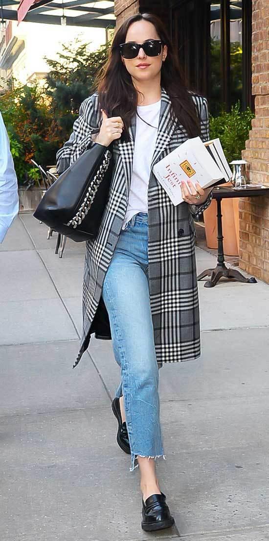 Dakota Johnson Outfits-33