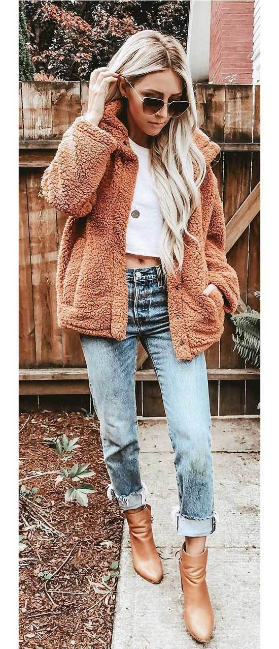 Cozy Mom Jean Outfits