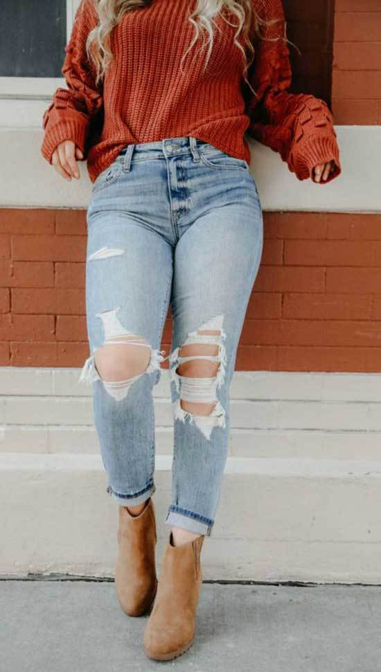 Ripped Mom Jean Outfits