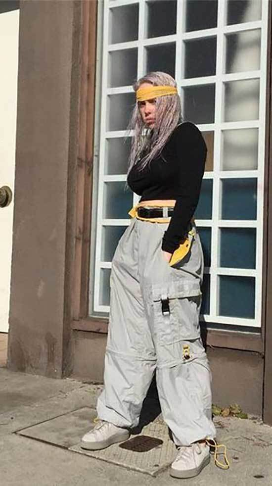 Billie Eilish Outfits-35