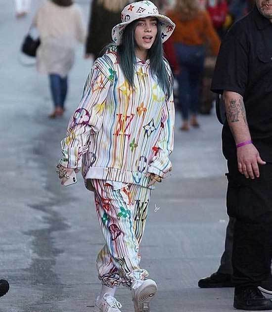 Billie Eilish Outfits-39