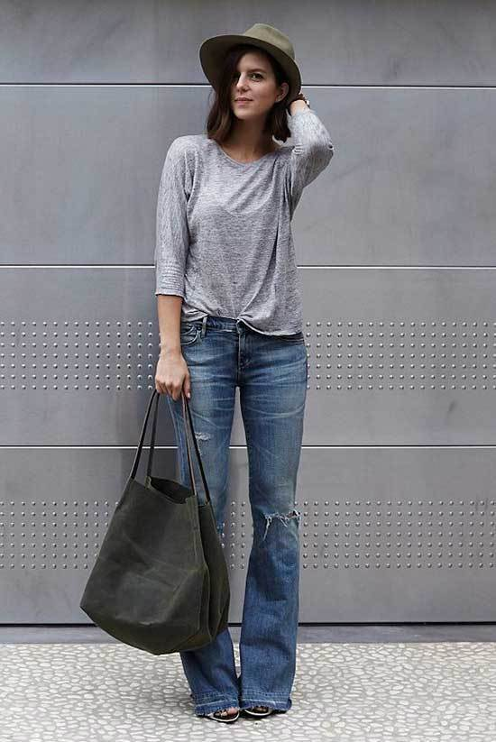 Simple Flare Jeans Outfits-12