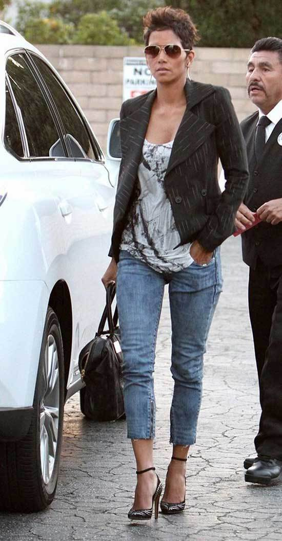 Halle Berry Outfits-15