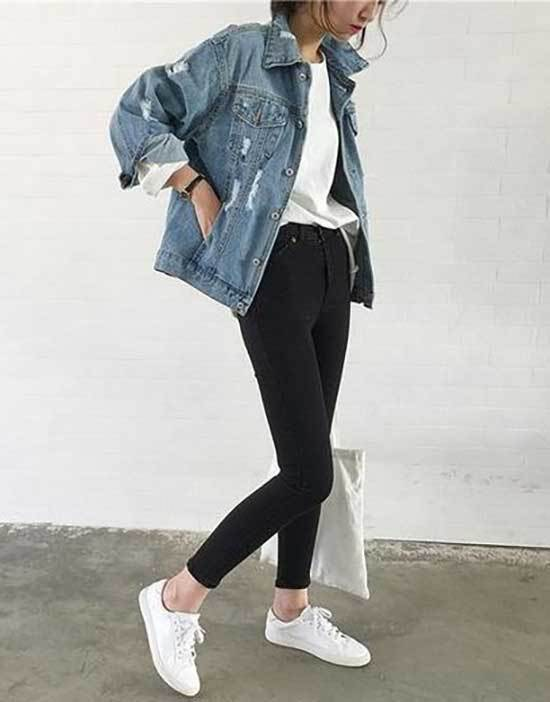 Oversized Jean Jacket Sneakers Outfit Ideas-11