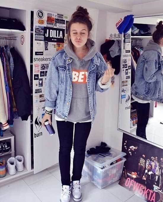 Hoodie Under Oversized Jean Jacket Outfit Ideas-13