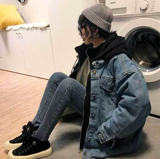 Oversized Jean Jacket Outfit Ideas for Girls-14