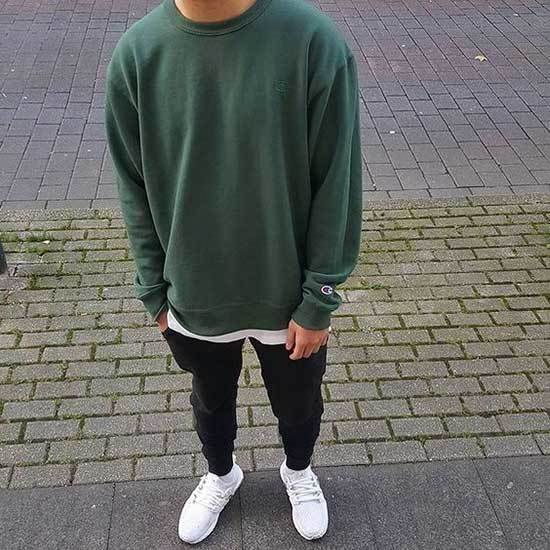 Sporty Minimal Outfits for Guys-19