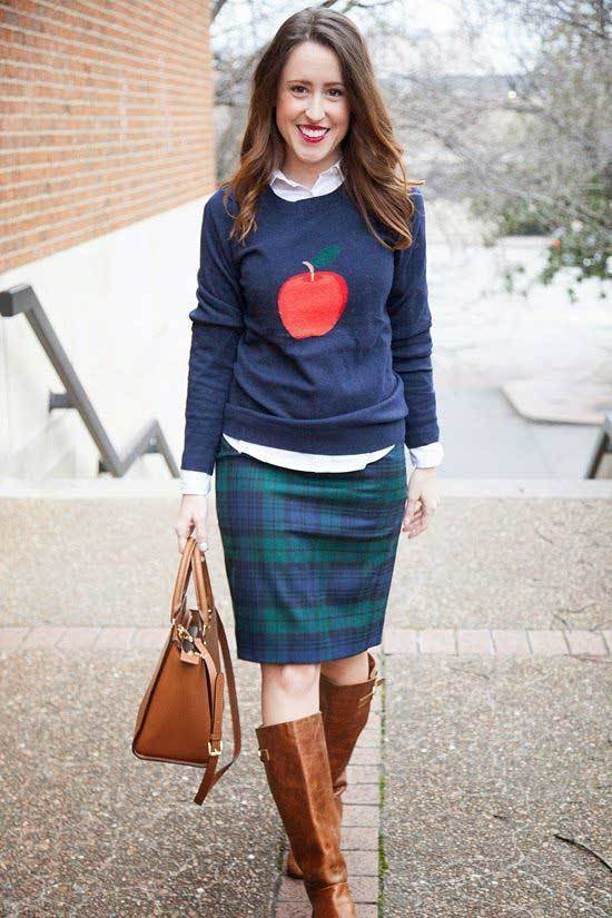 Business Casual Teacher Outfits with Boots-19