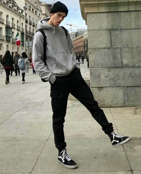 Sporty Outfits for Guys-27