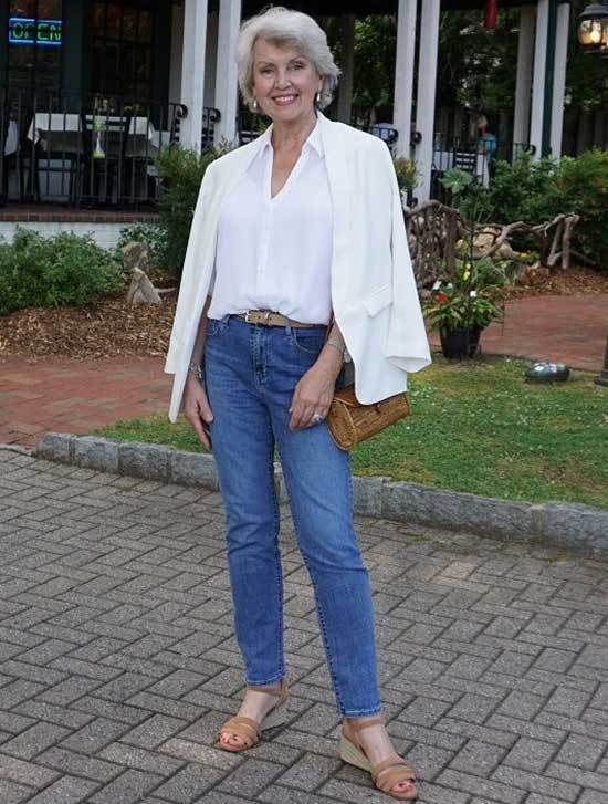 Casual Classic Looks for Women Over 50-11
